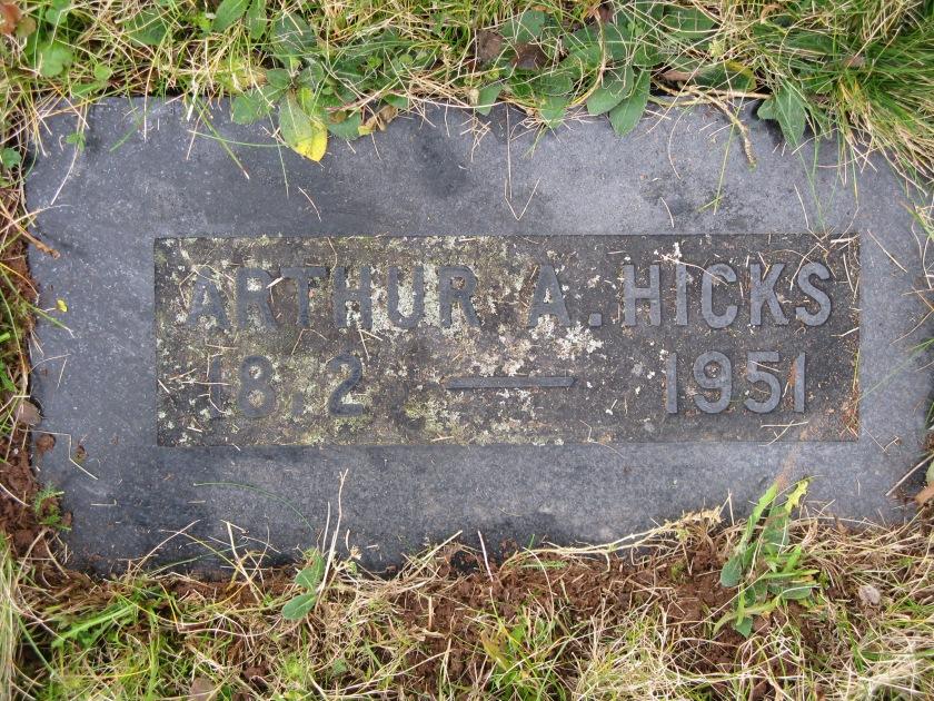 Arthur Hicks grave